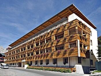 薩沃亞皇宮飯店