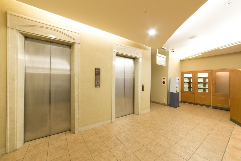 R&B 호텔 카나자와에키 니시구치(R&B Hotel Kanazawa-eki Nishi-guchi) Hotel Image 8 - Lobby