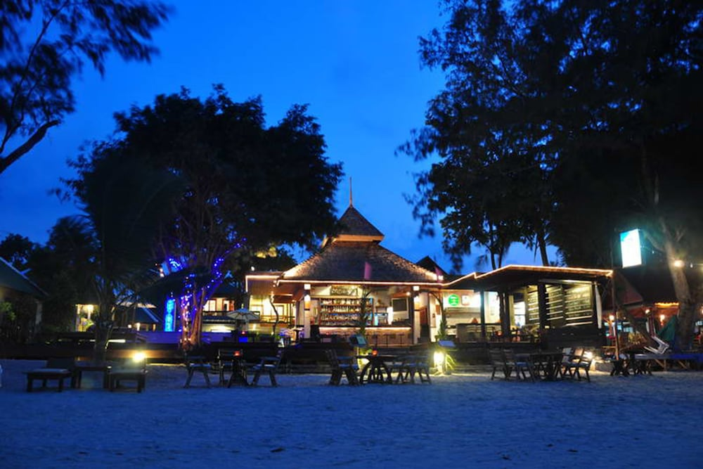 사무이 허니 코티지스 비치 리조트(Samui Honey Cottages Beach Resort) Hotel Image 34 - Restaurant