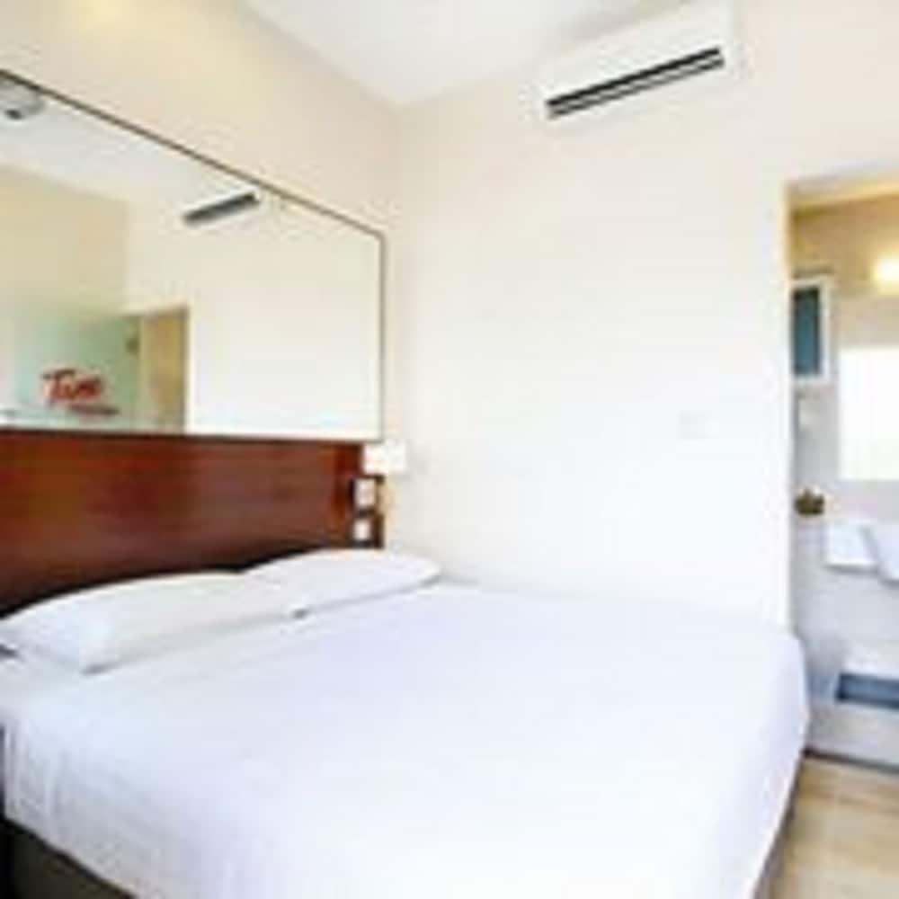 튠 호텔 클리아 에로폴리스  (에어포트 호텔)(Tune Hotel KLIA Aeropolis (Airport Hotel)) Hotel Image 9 - Guestroom