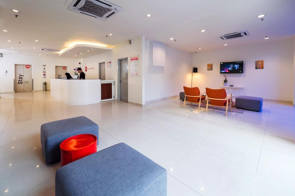 튠 호텔 클리아 에로폴리스  (에어포트 호텔)(Tune Hotel KLIA Aeropolis (Airport Hotel)) Hotel Image 3 - Lobby Sitting Area