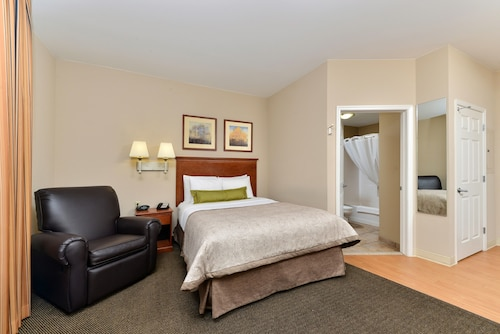 Candlewood Suites Chambersburg, Franklin