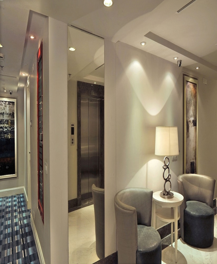 애쉬탄 사로바 포르티코(The Ashtan Sarovar Portico) Hotel Image 3 - Lobby Sitting Area
