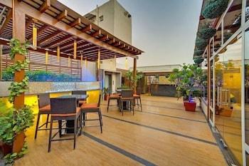 애쉬탄 사로바 포르티코(The Ashtan Sarovar Portico) Hotel Image 15 - Terrace/Patio