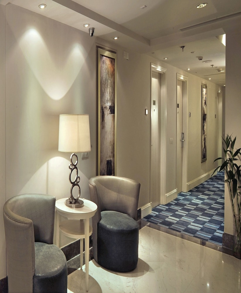 애쉬탄 사로바 포르티코(The Ashtan Sarovar Portico) Hotel Image 8 - Lobby Lounge