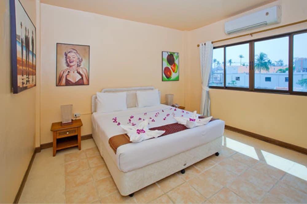 브라더스 호텔 파통(Brothers Hotel Patong) Hotel Image 2 - Guestroom