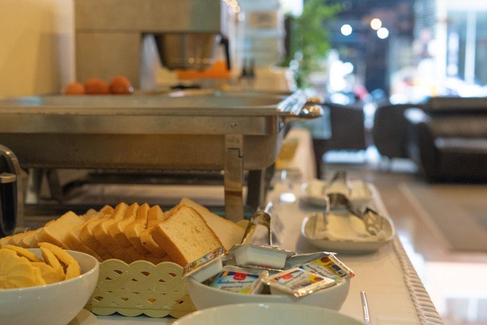 브라더스 호텔 파통(Brothers Hotel Patong) Hotel Image 31 - Restaurant