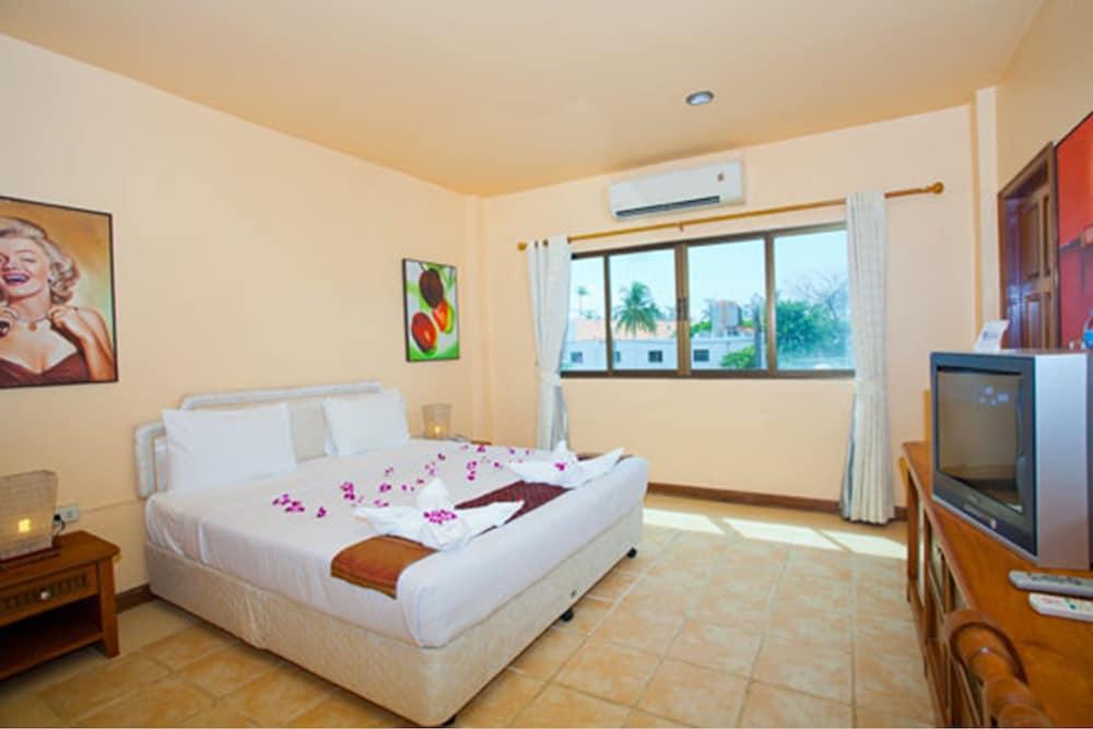 브라더스 호텔 파통(Brothers Hotel Patong) Hotel Image 3 - Guestroom