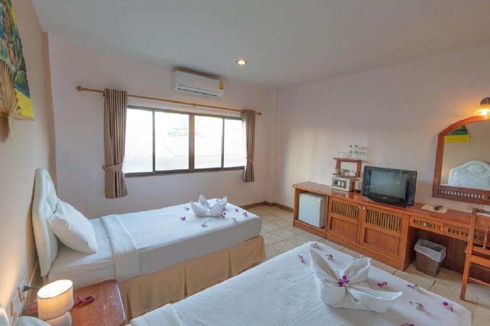 브라더스 호텔 파통(Brothers Hotel Patong) Hotel Image 11 - Guestroom