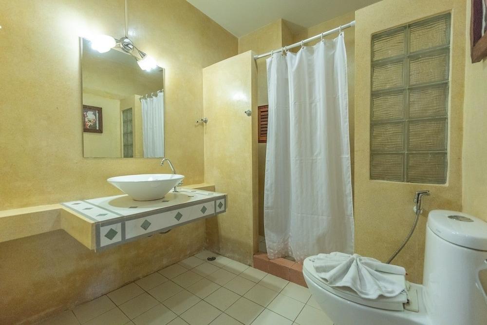 브라더스 호텔 파통(Brothers Hotel Patong) Hotel Image 27 - Bathroom