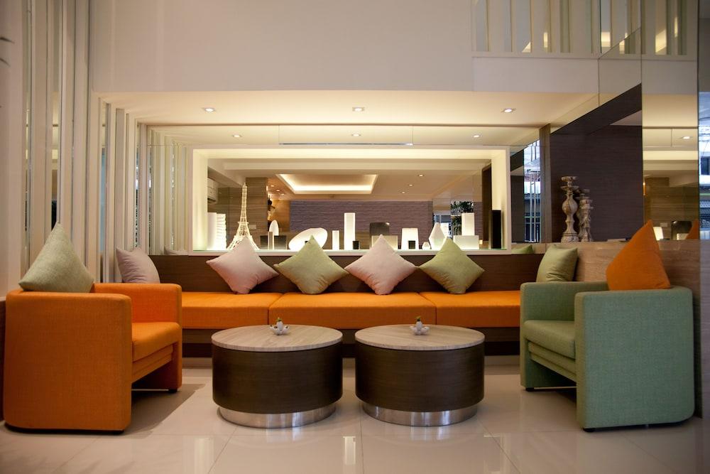 시티포인트 호텔(CityPoint Hotel) Hotel Image 1 - Lobby Sitting Area