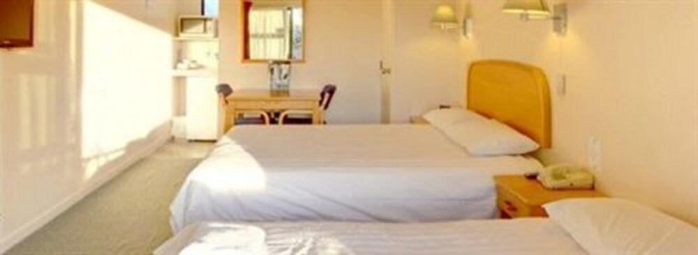 레일랜드 엡섬 모텔(Rayland Epsom Motel) Hotel Image 4 - Guestroom