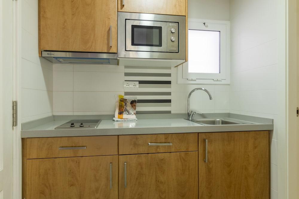 선웨이 산 호르헤 아파트먼트(Sunway San Jorge Apartments) Hotel Image 15 - In-Room Kitchen