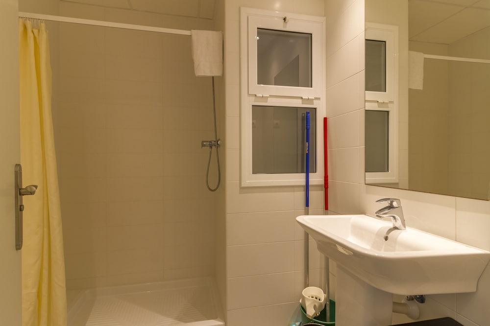 선웨이 산 호르헤 아파트먼트(Sunway San Jorge Apartments) Hotel Image 29 - Bathroom