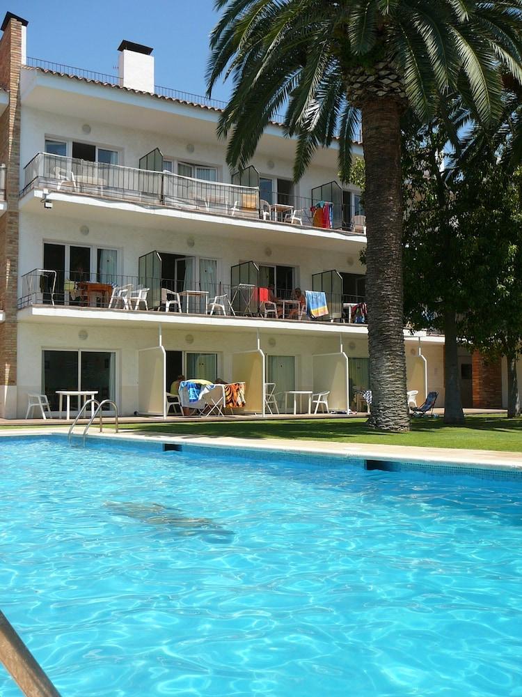 선웨이 산 호르헤 아파트먼트(Sunway San Jorge Apartments) Hotel Image 1 - Pool