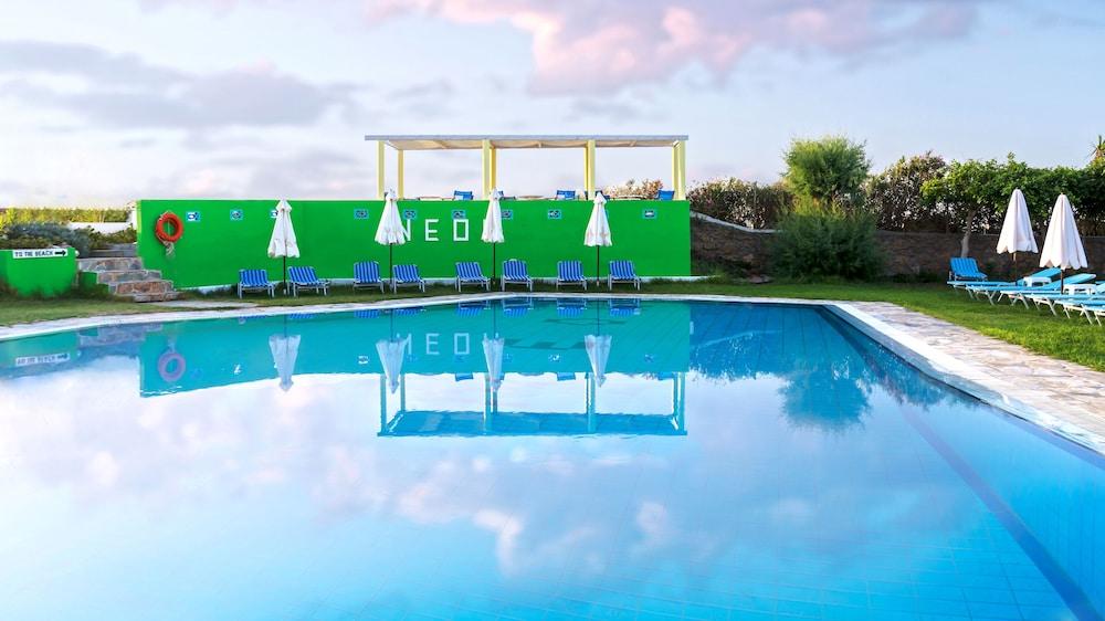 네온 호텔(Neon Hotel) Hotel Image 9 - Outdoor Pool