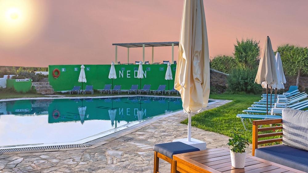 네온 호텔(Neon Hotel) Hotel Image 10 - Outdoor Pool