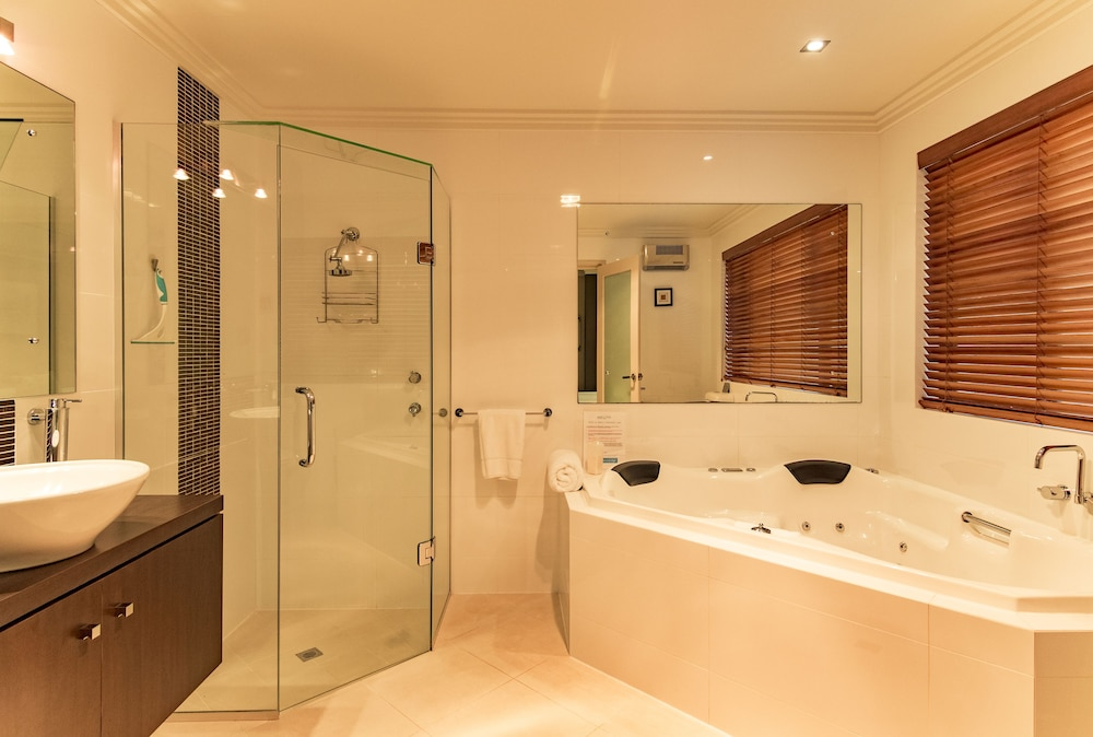 더 비치 하우스 앳 베이사이드(The Beach House at Bayside) Hotel Image 39 - Bathroom
