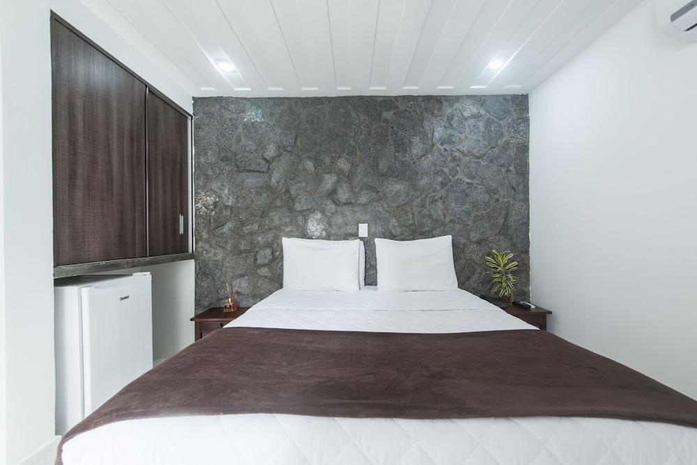 호텔 일하 브란카 인(Hotel Ilha Branca Inn) Hotel Image 9 - Guestroom