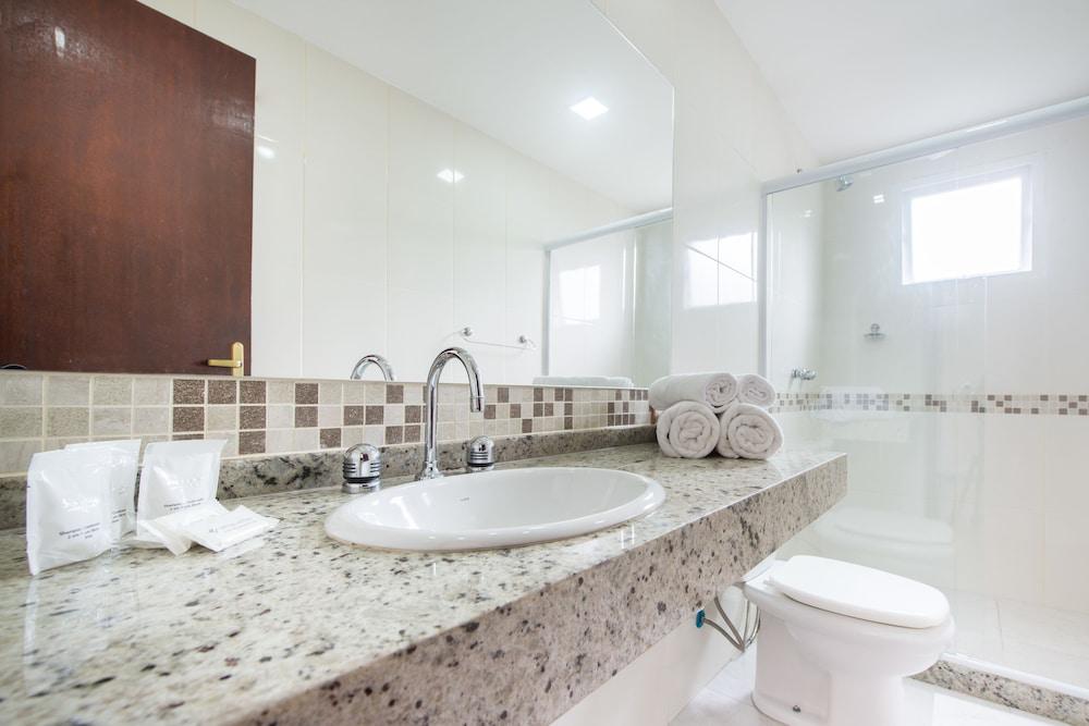 호텔 일하 브란카 인(Hotel Ilha Branca Inn) Hotel Image 23 - Bathroom