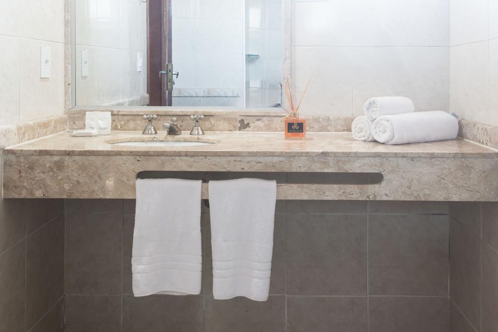 호텔 일하 브란카 인(Hotel Ilha Branca Inn) Hotel Image 21 - Bathroom