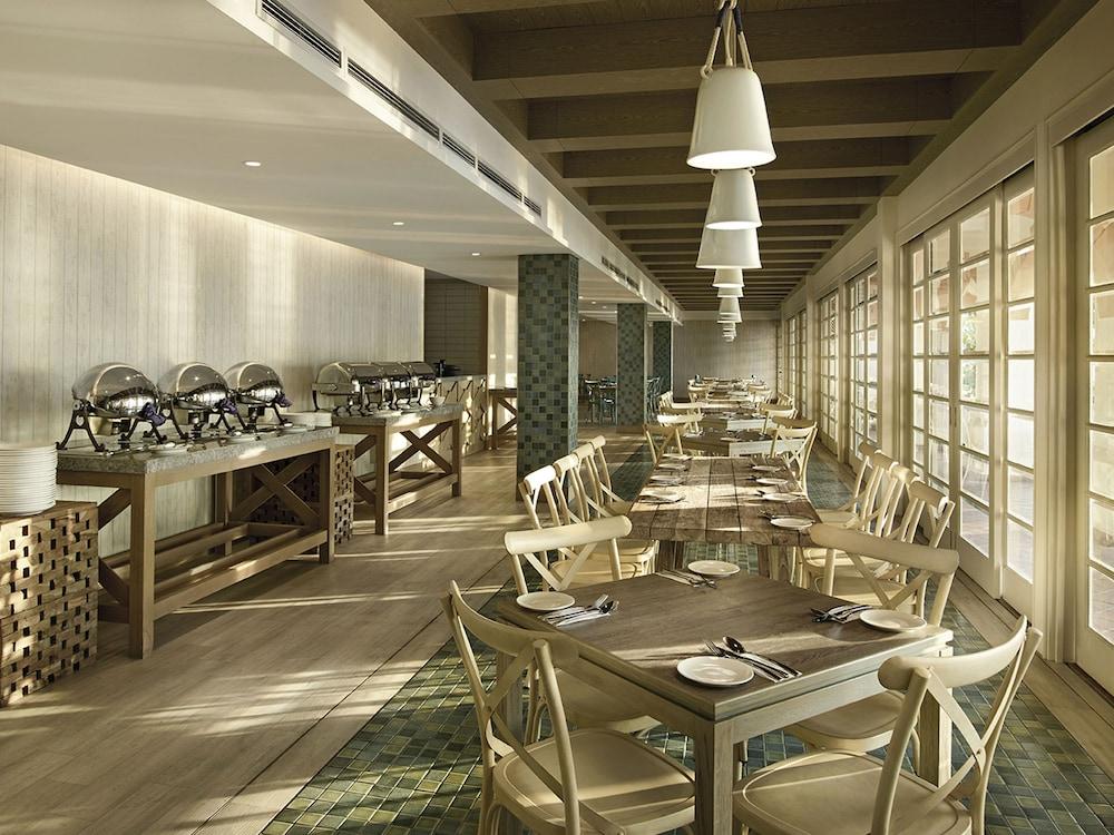 리조트 월드 랑카위(Resorts World Langkawi) Hotel Image 30 - Breakfast Area