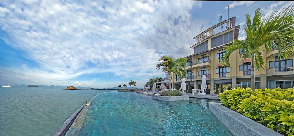 리조트 월드 랑카위(Resorts World Langkawi) Hotel Image 20 - Infinity Pool
