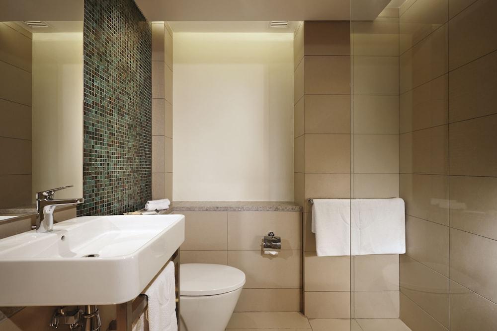 리조트 월드 랑카위(Resorts World Langkawi) Hotel Image 15 - Bathroom
