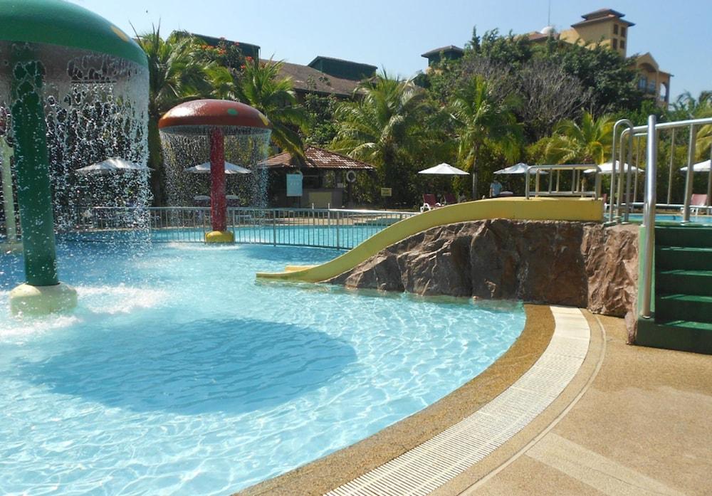 리조트 월드 랑카위(Resorts World Langkawi) Hotel Image 18 - Outdoor Pool