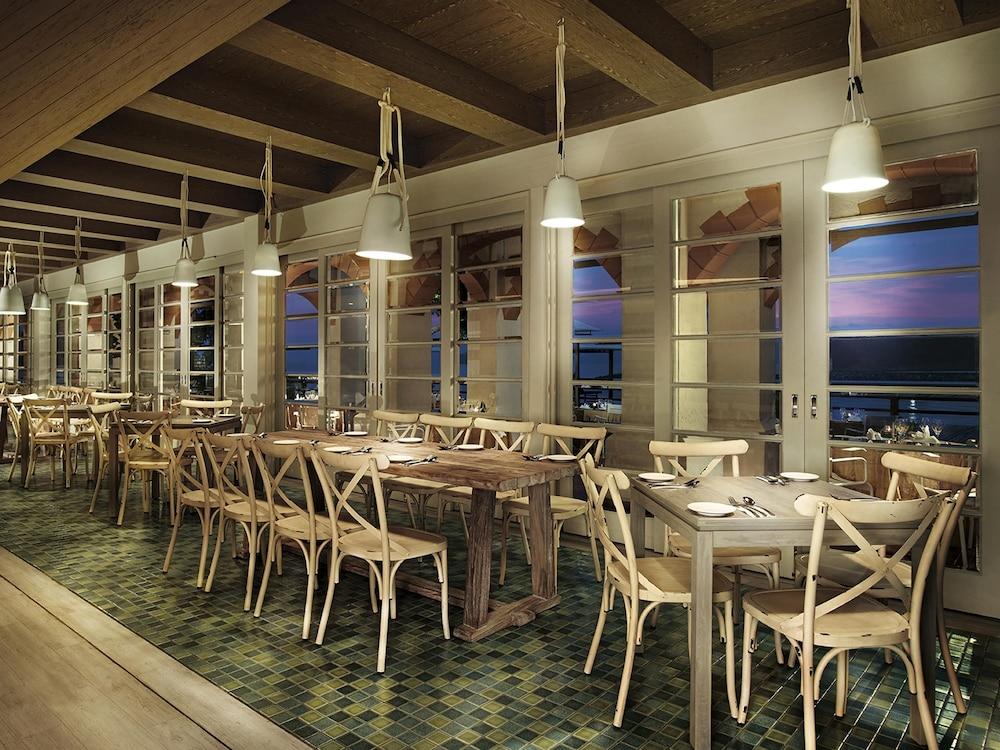 리조트 월드 랑카위(Resorts World Langkawi) Hotel Image 31 - Restaurant