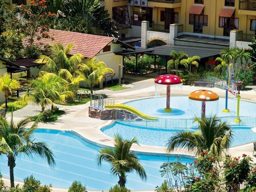 리조트 월드 랑카위(Resorts World Langkawi) Hotel Image 19 - Outdoor Pool