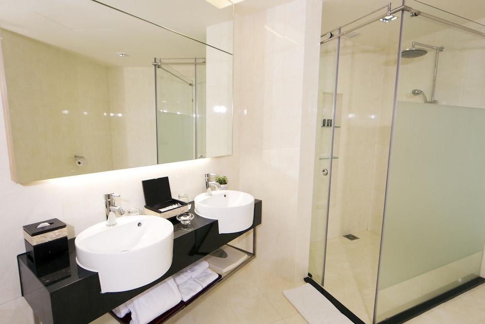 리조트 월드 겐팅 - 겐팅 그랜드(Resorts World Genting - Genting Grand) Hotel Image 13 - Bathroom
