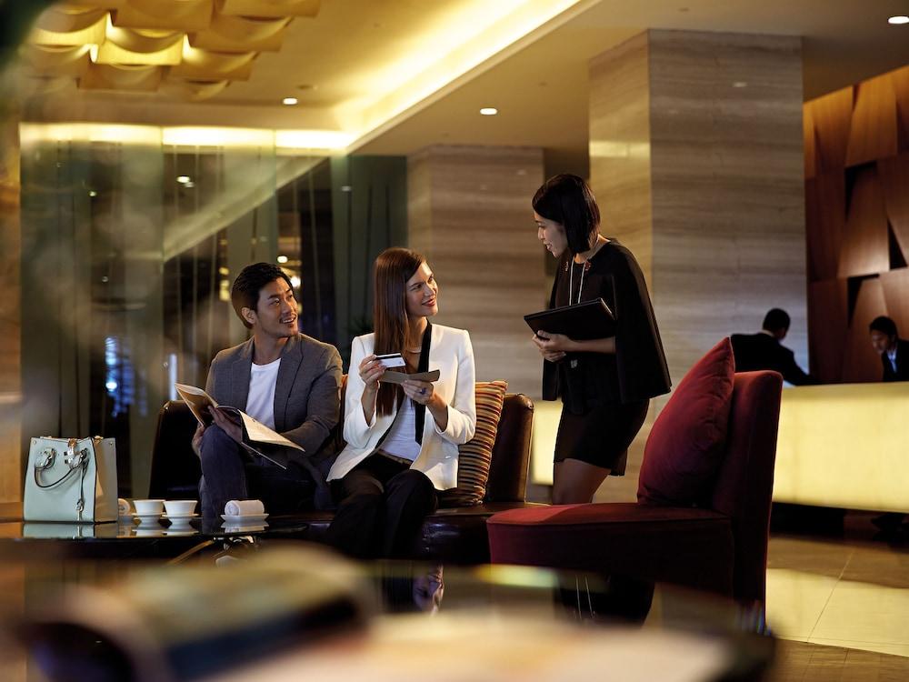 리조트 월드 겐팅 - 겐팅 그랜드(Resorts World Genting - Genting Grand) Hotel Image 4 - Check-in/Check-out Kiosk