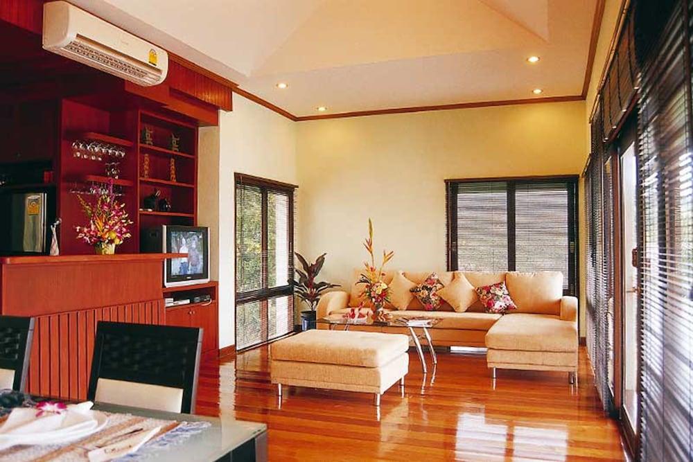 사무이 허니 타라 빌라 레지던스(Samui Honey Tara Villa Residence) Hotel Image 27 - Living Area