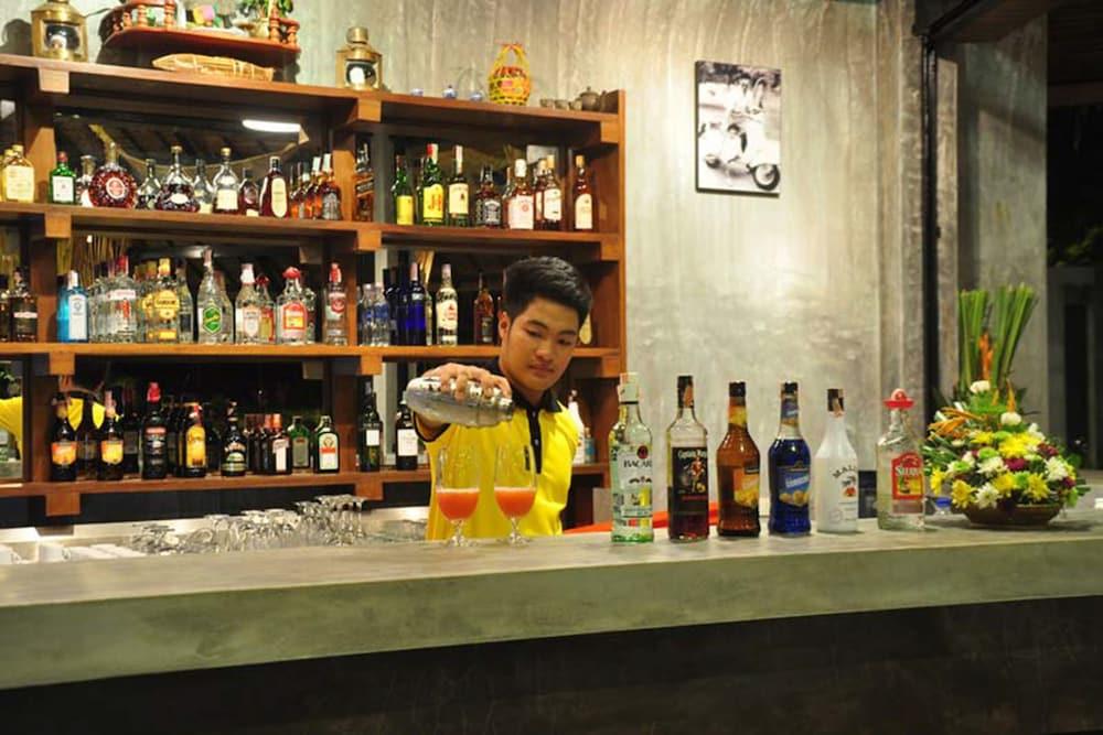 사무이 허니 타라 빌라 레지던스(Samui Honey Tara Villa Residence) Hotel Image 47 - Hotel Bar