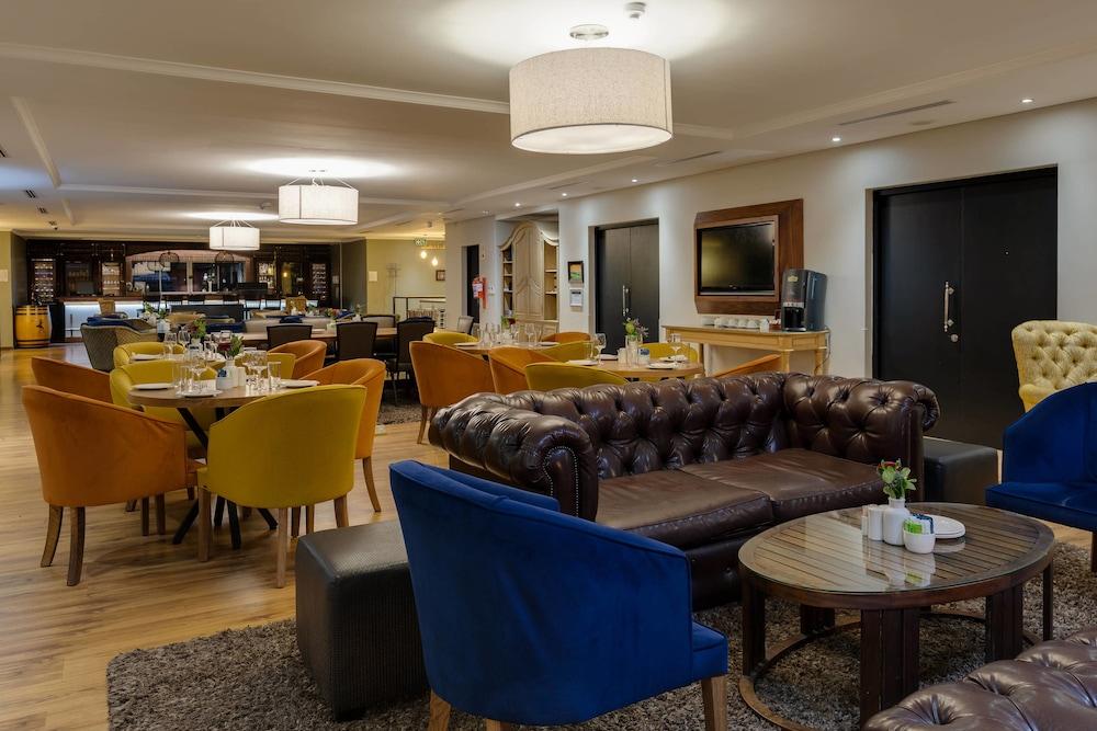 프로테아 호텔 바이 메리어트 케이프타운 더반빌(Protea Hotel by Marriott Cape Town Durbanville) Hotel Image 51 - Restaurant