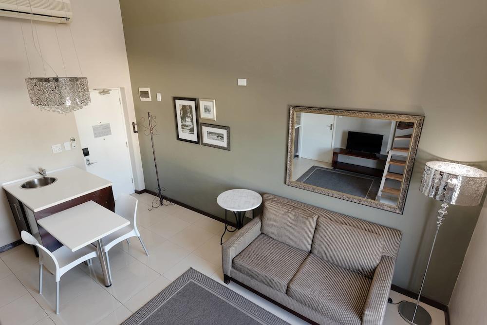 프로테아 호텔 바이 메리어트 케이프타운 더반빌(Protea Hotel by Marriott Cape Town Durbanville) Hotel Image 20 - Guestroom
