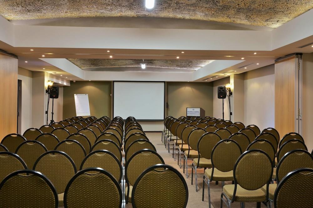 프로테아 호텔 바이 메리어트 케이프타운 더반빌(Protea Hotel by Marriott Cape Town Durbanville) Hotel Image 72 - Meeting Facility