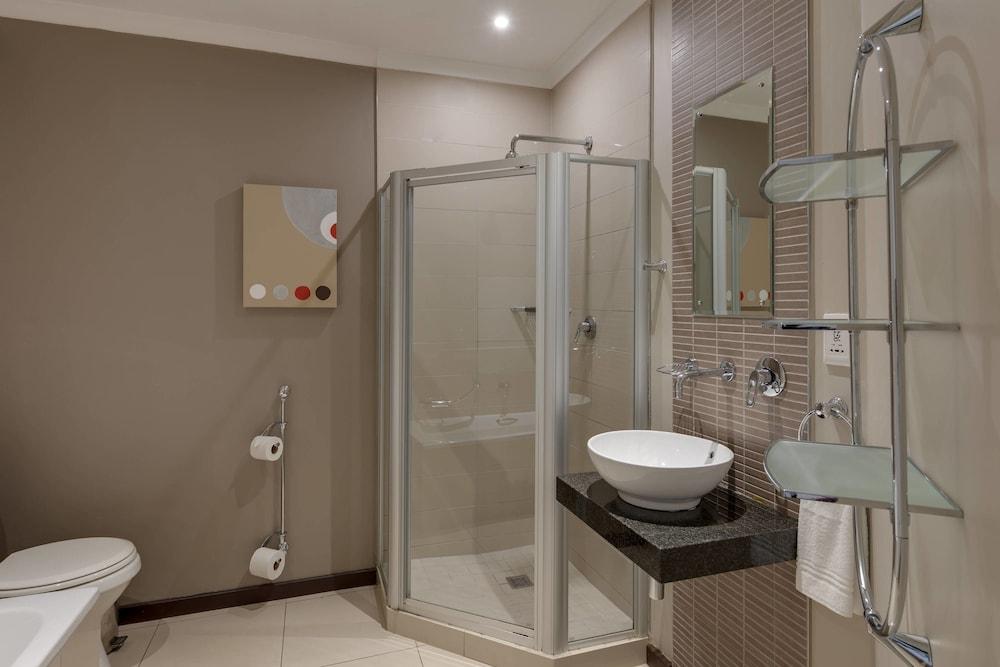 프로테아 호텔 바이 메리어트 케이프타운 더반빌(Protea Hotel by Marriott Cape Town Durbanville) Hotel Image 23 - Guestroom
