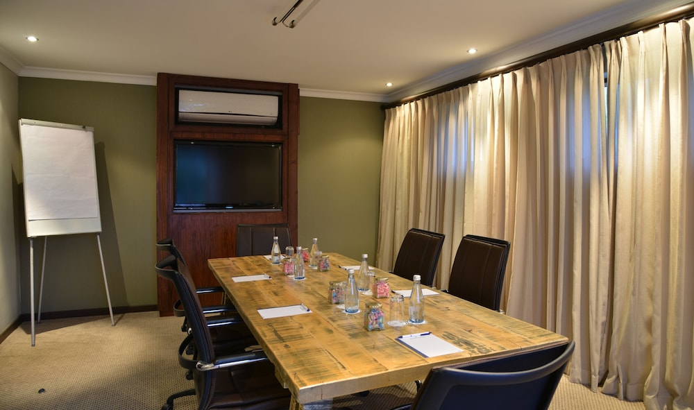 프로테아 호텔 바이 메리어트 케이프타운 더반빌(Protea Hotel by Marriott Cape Town Durbanville) Hotel Image 66 - Meeting Facility