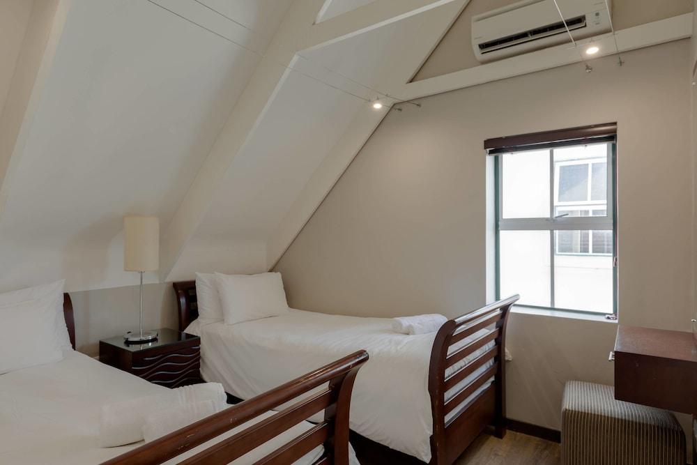 프로테아 호텔 바이 메리어트 케이프타운 더반빌(Protea Hotel by Marriott Cape Town Durbanville) Hotel Image 28 - Guestroom