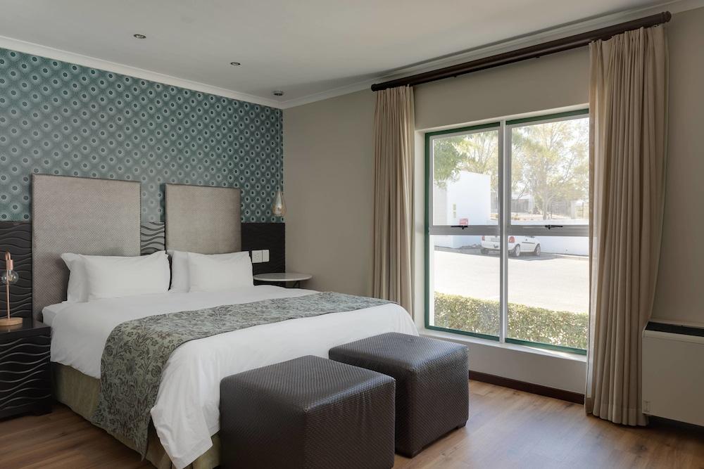 프로테아 호텔 바이 메리어트 케이프타운 더반빌(Protea Hotel by Marriott Cape Town Durbanville) Hotel Image 29 - Guestroom
