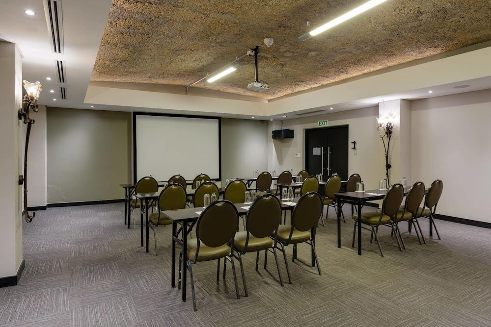 프로테아 호텔 바이 메리어트 케이프타운 더반빌(Protea Hotel by Marriott Cape Town Durbanville) Hotel Image 81 - Meeting Facility