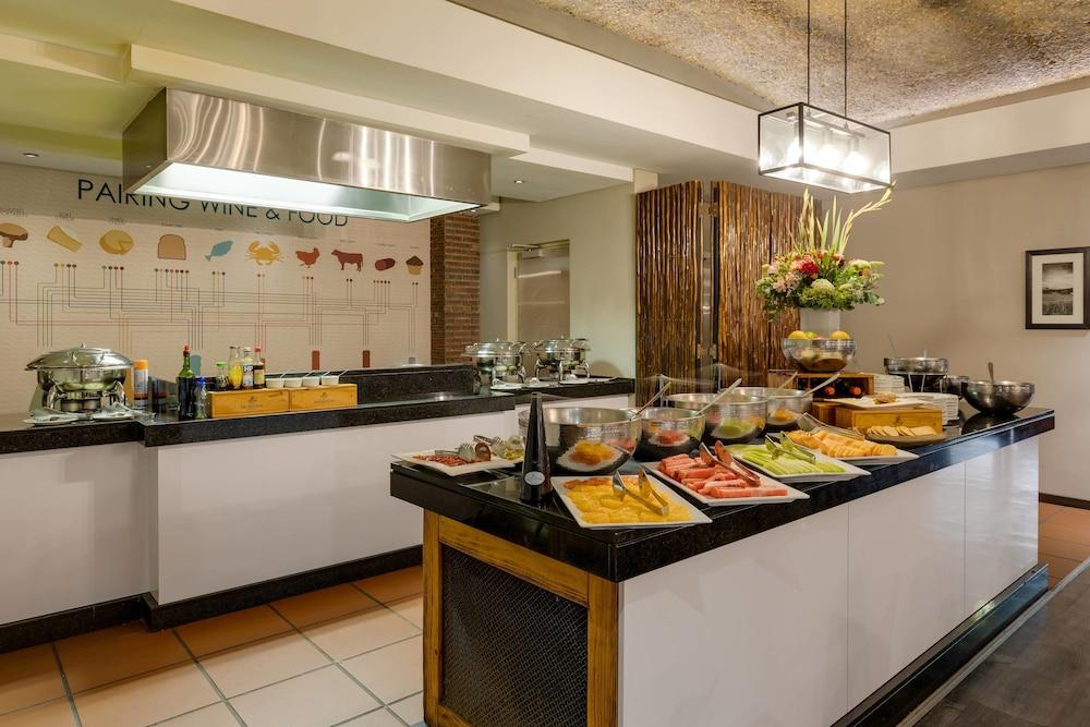 프로테아 호텔 바이 메리어트 케이프타운 더반빌(Protea Hotel by Marriott Cape Town Durbanville) Hotel Image 55 - Restaurant