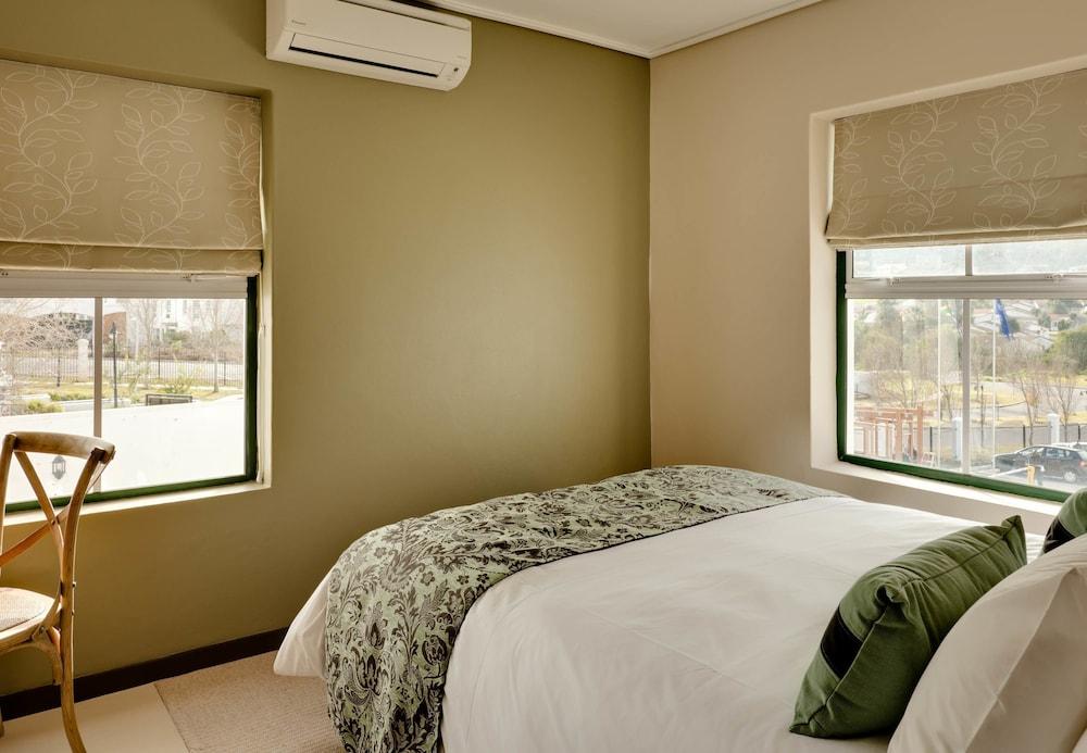 프로테아 호텔 바이 메리어트 케이프타운 더반빌(Protea Hotel by Marriott Cape Town Durbanville) Hotel Image 10 - Guestroom