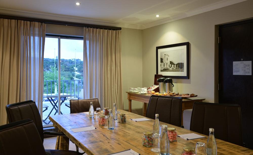 프로테아 호텔 바이 메리어트 케이프타운 더반빌(Protea Hotel by Marriott Cape Town Durbanville) Hotel Image 67 - Meeting Facility