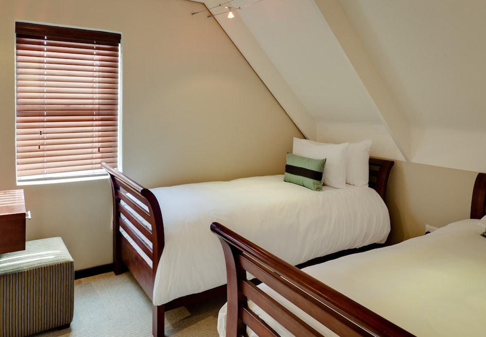 프로테아 호텔 바이 메리어트 케이프타운 더반빌(Protea Hotel by Marriott Cape Town Durbanville) Hotel Image 11 - Guestroom