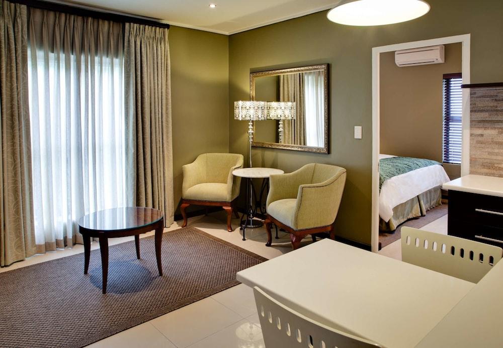 프로테아 호텔 바이 메리어트 케이프타운 더반빌(Protea Hotel by Marriott Cape Town Durbanville) Hotel Image 9 - Guestroom