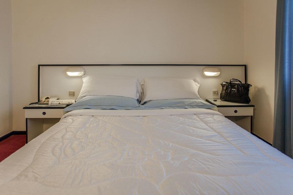 호텔 쿠아드리포글리오(Hotel Quadrifoglio) Hotel Image 10 - Guestroom