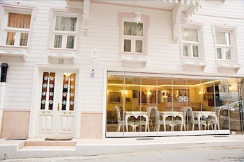Hotel - Romantic Mansion
